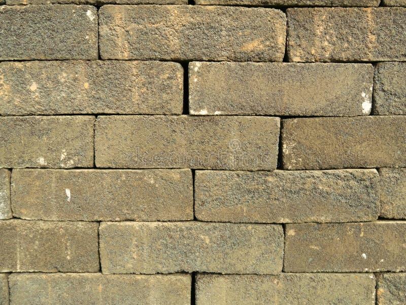 Pila della muratura di vecchi mattoni d'annata Fondo astratto del muro di mattoni immagine stock
