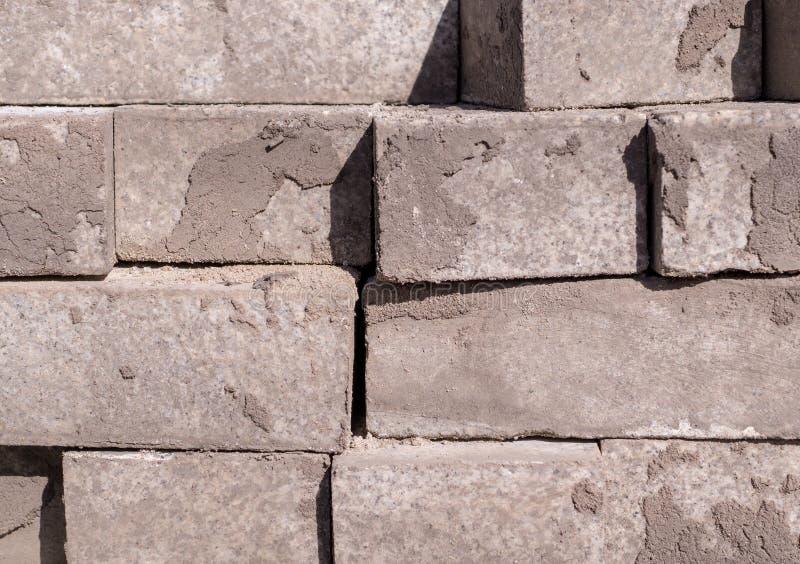 Pila di ciottoli della pavimentazione, mattoni Struttura, costruzione fotografie stock libere da diritti