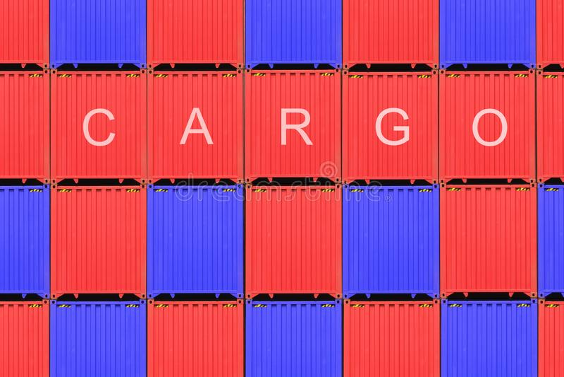 Pila di contenitori in un porto, contenitore di contenitori dalla nave del trasporto del carico per importazioni-esportazioni, co fotografia stock