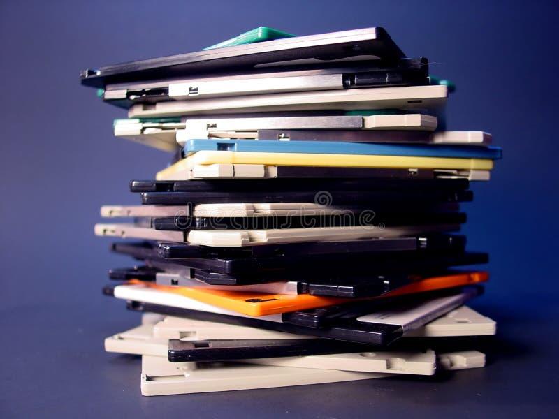 Pila di dischi magnetici fotografia stock libera da diritti