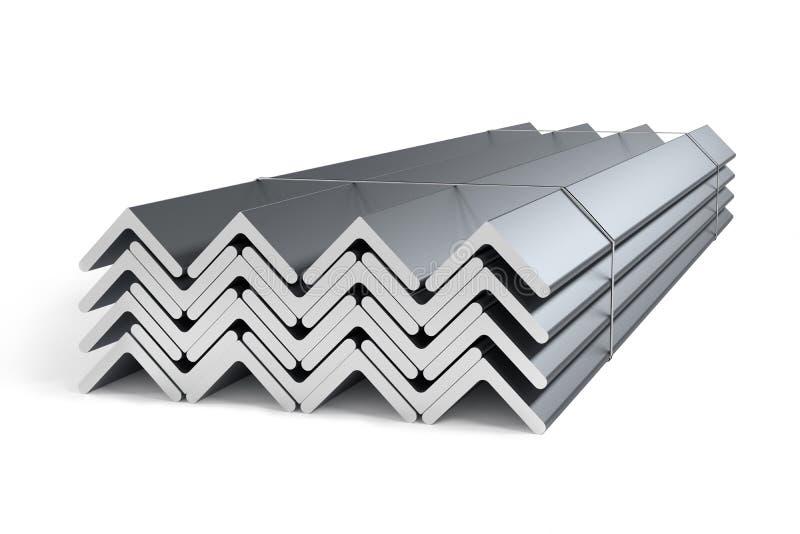 Pila di L-profilo d'acciaio delle barre di angolo fotografie stock libere da diritti