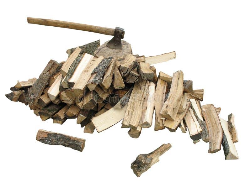 Pila di legna da ardere con un'ascia immagine stock libera da diritti