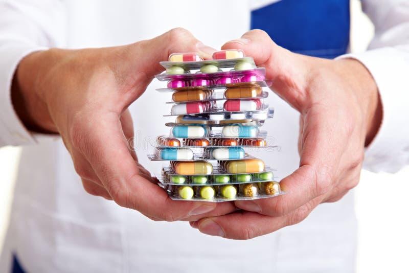 Pila di molte pillole differenti immagine stock libera da diritti