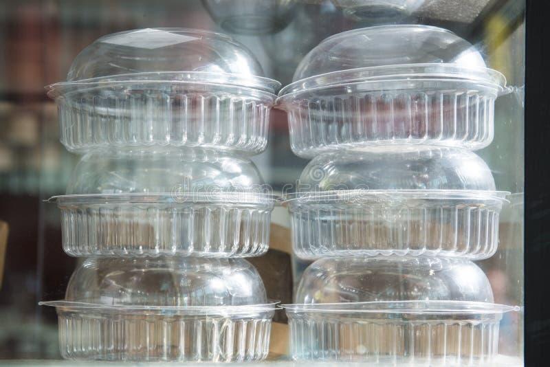 Pila di scatole di plastica fotografia stock