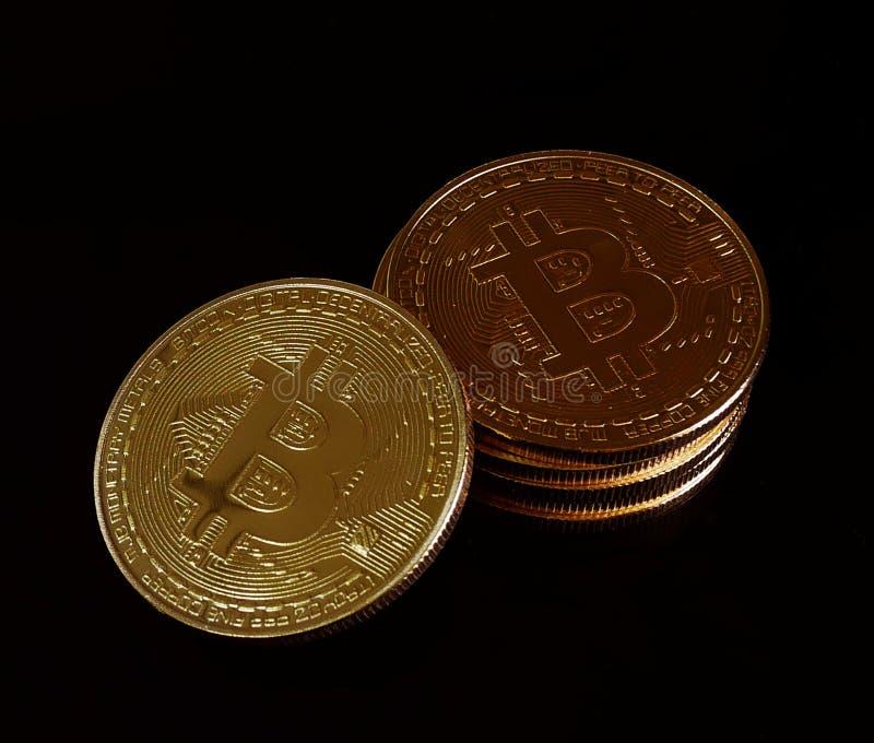 Pila di valuta virtuale fisica di Bitcoins immagini stock libere da diritti