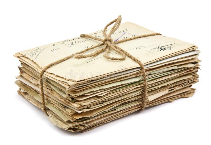 Pila di vecchie lettere immagini stock libere da diritti