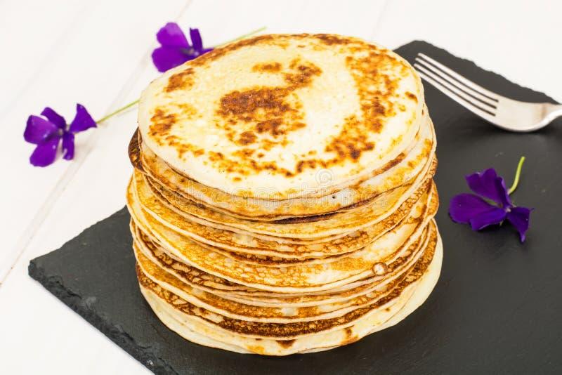 Pila saporita dei pancake fotografia stock libera da diritti