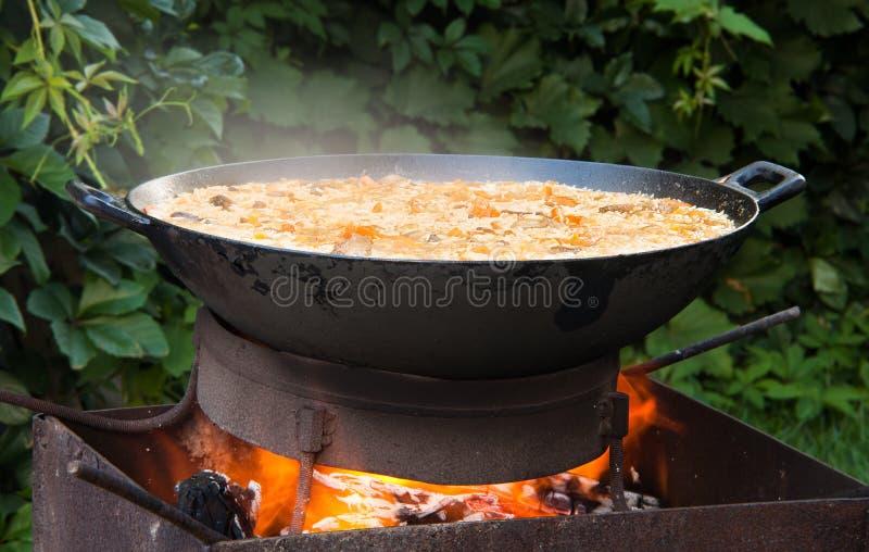 Pilaf (Plov) - afgańczyk, uzbek, Tajik krajowej kuchni główny naczynie zdjęcie stock