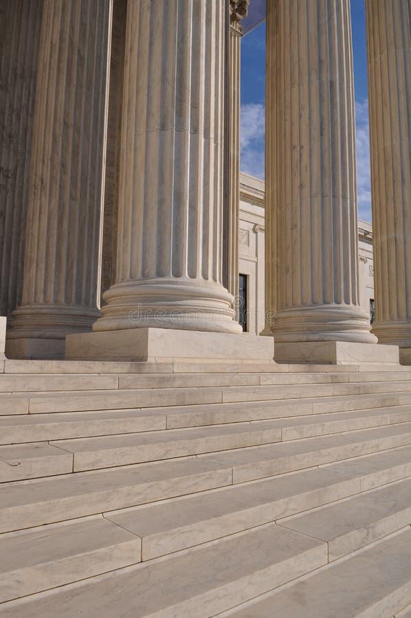 Pilar y pasos del Tribunal Supremo foto de archivo