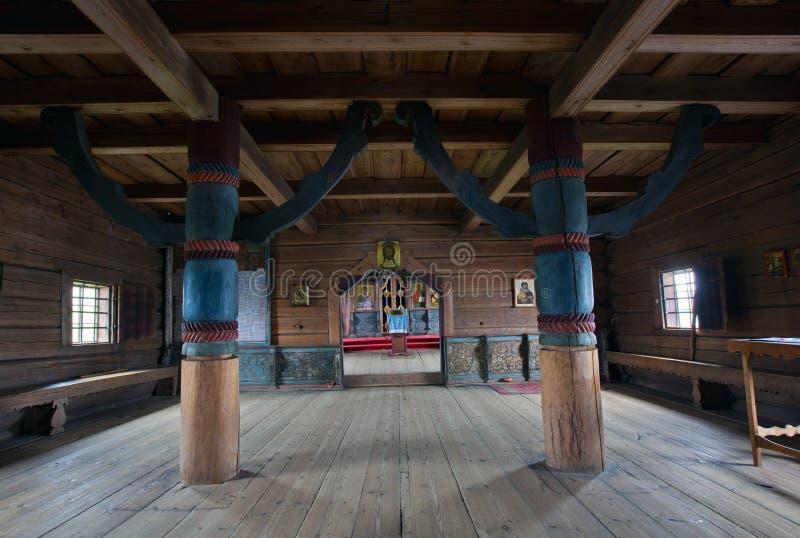 Pilares únicos en la iglesia de la suposición en Kondopoga imagen de archivo libre de regalías