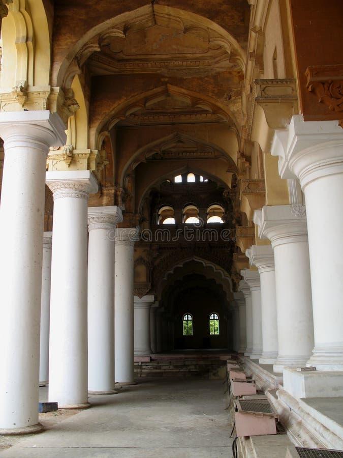 Pilares del palacio antiguo imagen de archivo libre de regalías