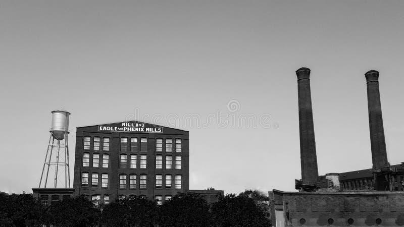Pilas de humo de Columbus Georgia Eagle Phenoix Water Tower And fotografía de archivo