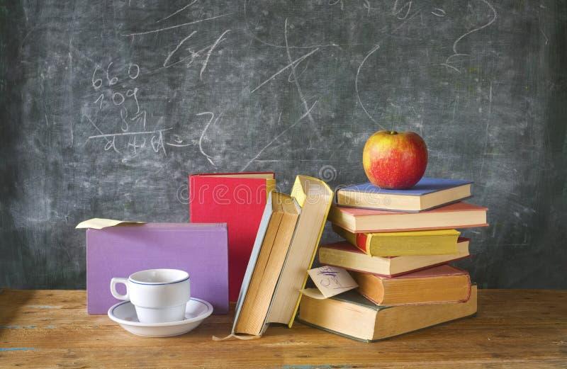 Pilas de libros aprendizaje de la educación fotografía de archivo