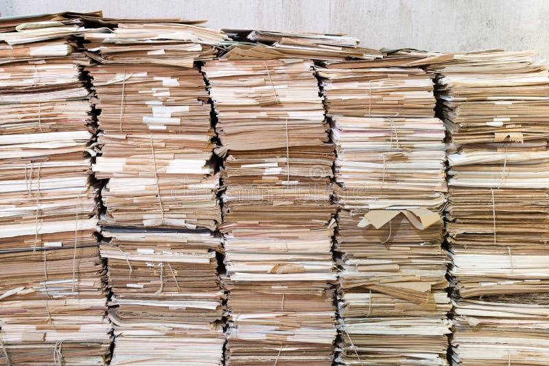 Pilas de papeles viejos imagen de archivo libre de regalías