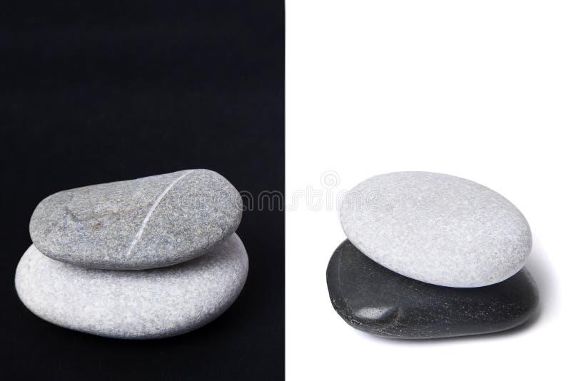 Pilas del guijarro de Yin Yang foto de archivo libre de regalías