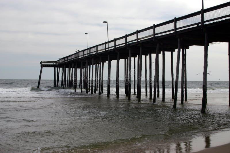Pilastro alla città dell'oceano fotografie stock
