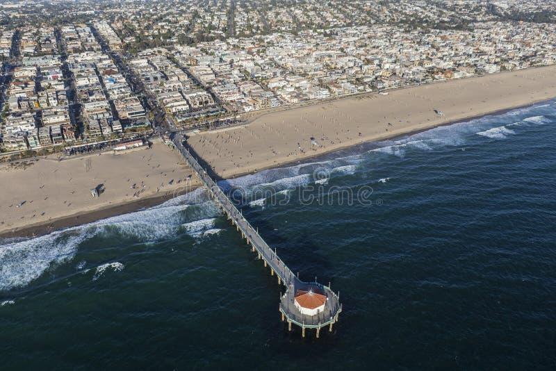 Pilastro della spiaggia di Mahattan vicino a Los Angeles fotografia stock