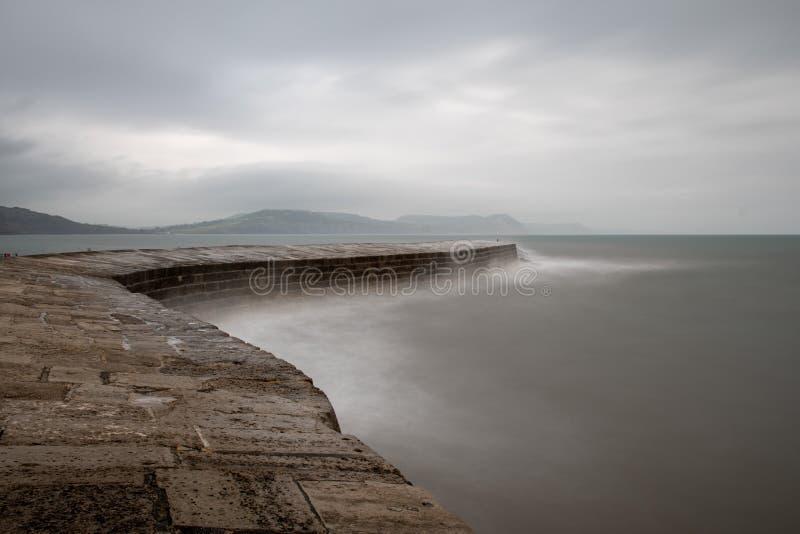 Pilastro di Lyme Regis fotografie stock libere da diritti