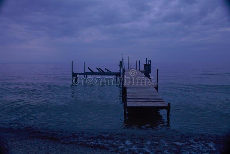 Pilastro di notte fotografie stock libere da diritti