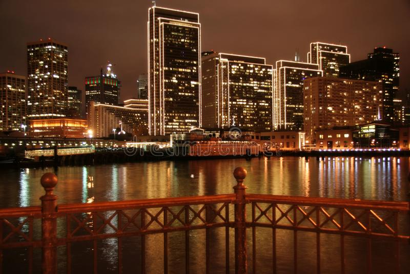 San Francisco Pier & città Ligh fotografia stock