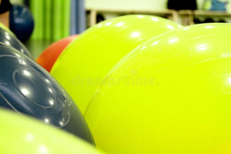 pilates的色的球 库存照片