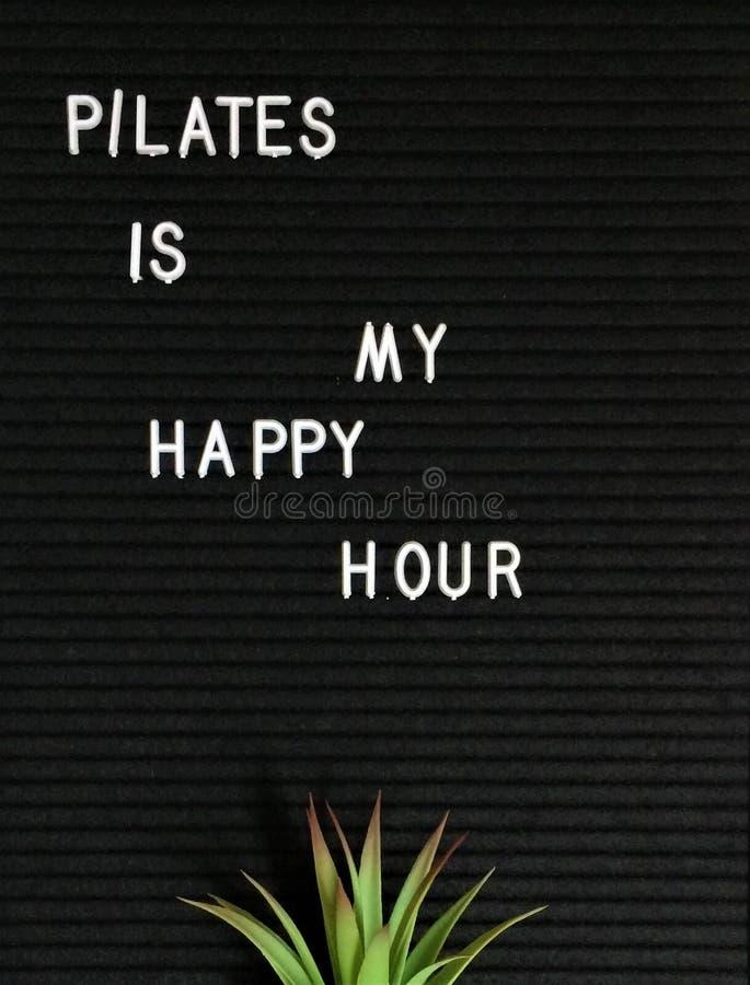Pilates es mi hora feliz con suculento imagen de archivo