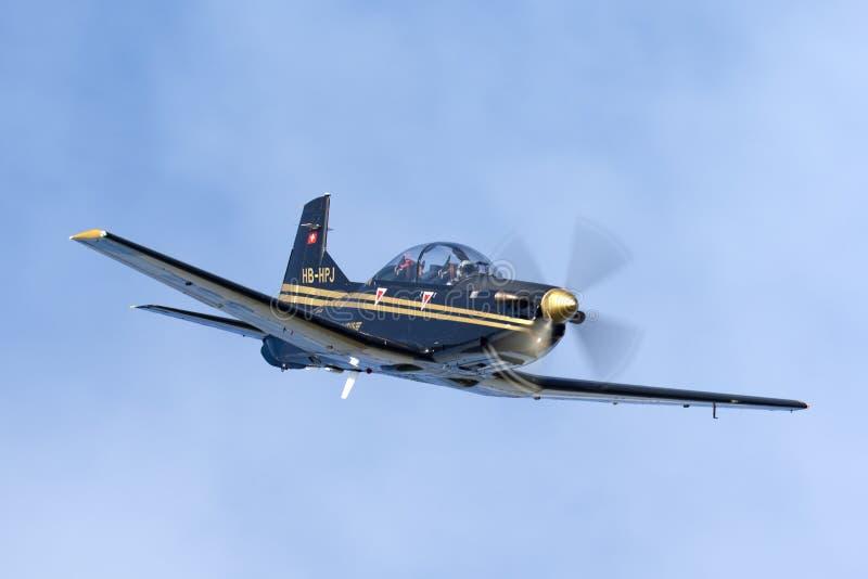 Pilatus PC-9M выдвинуло военные воздушные судн тренера HB-HPJ стоковая фотография rf