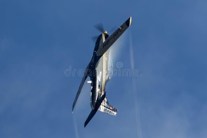 Pilatus PC-9M выдвинуло военные воздушные судн тренера HB-HPJ стоковое фото
