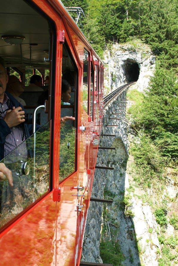 Pilatus-Zug, die steilste Zahnradeisenbahn der Welt lizenzfreies stockfoto