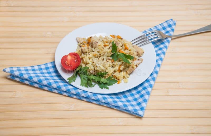 Pilaukip met de toevoeging van quinoa stock afbeeldingen
