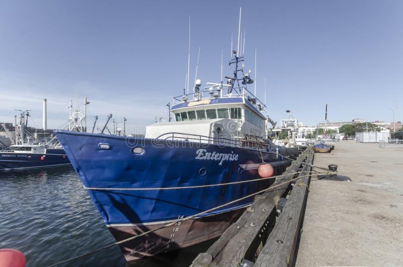 Pilbåge av kommersiellt företag för fiska skyttel royaltyfria foton