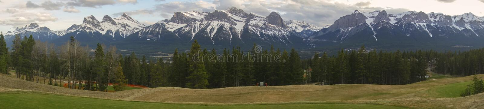 Pilbågedal Canmore Alberta Foothills Wide Panoramic Landscape arkivfoto