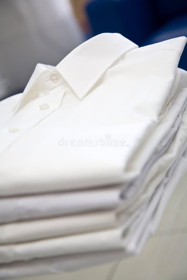 Pile blanche de chemise photo libre de droits