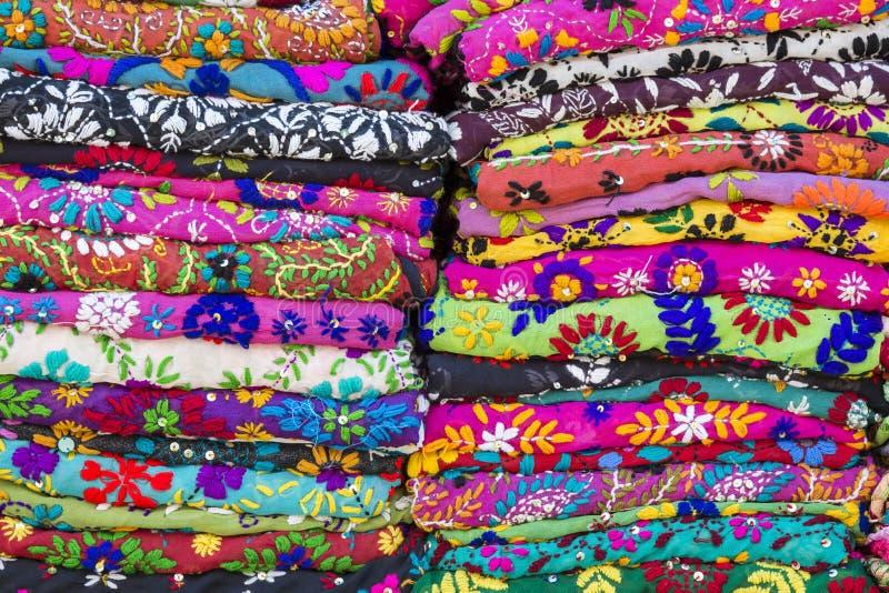 Download Pile colorée de textile image stock. Image du handmade - 87705487
