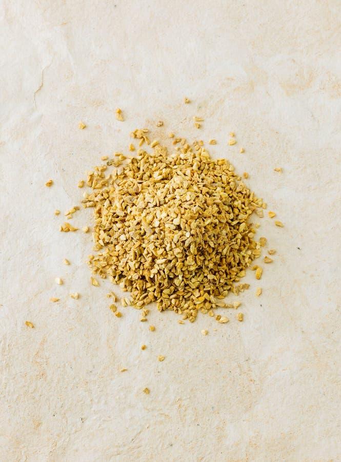 Pile d'officinale sec de Zingiber de racine de gingembre photo stock