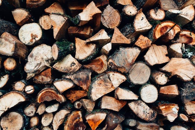 Pile de bois coupé d'incendie image libre de droits