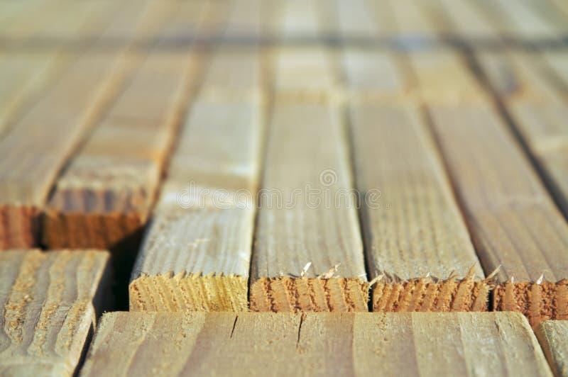 Pile de bois de construction images stock
