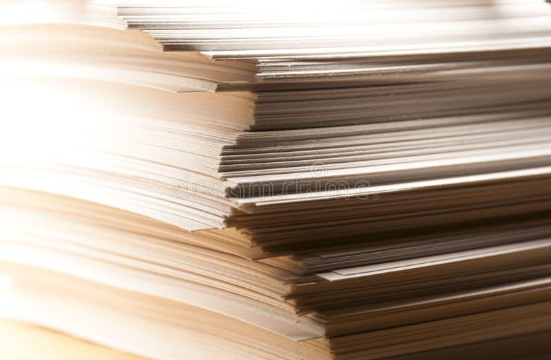Pile de cartes de papier images stock