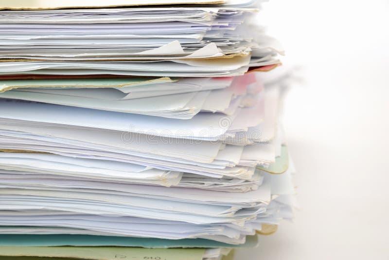 Pile de fichiers complètement des documents photo libre de droits