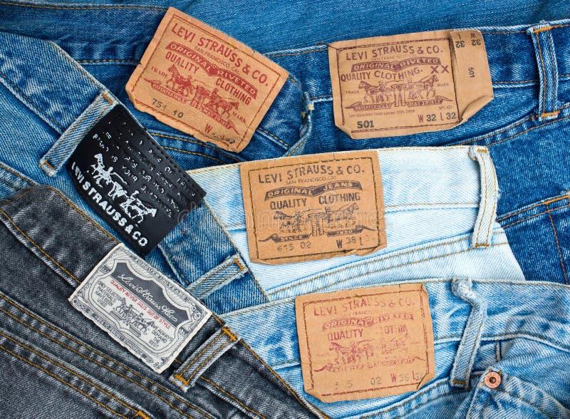 Pile de jeans de Levi's photo libre de droits