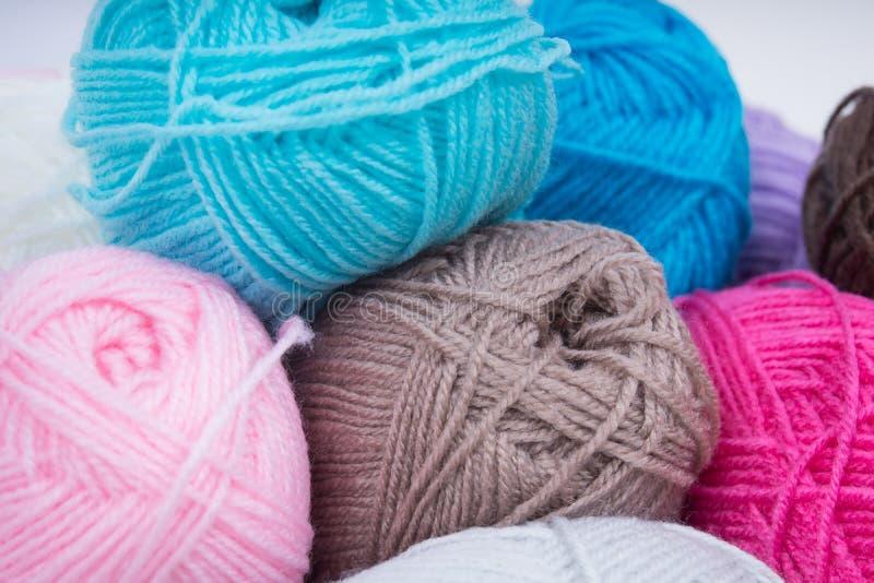 Pile de laine de tricotage photos libres de droits