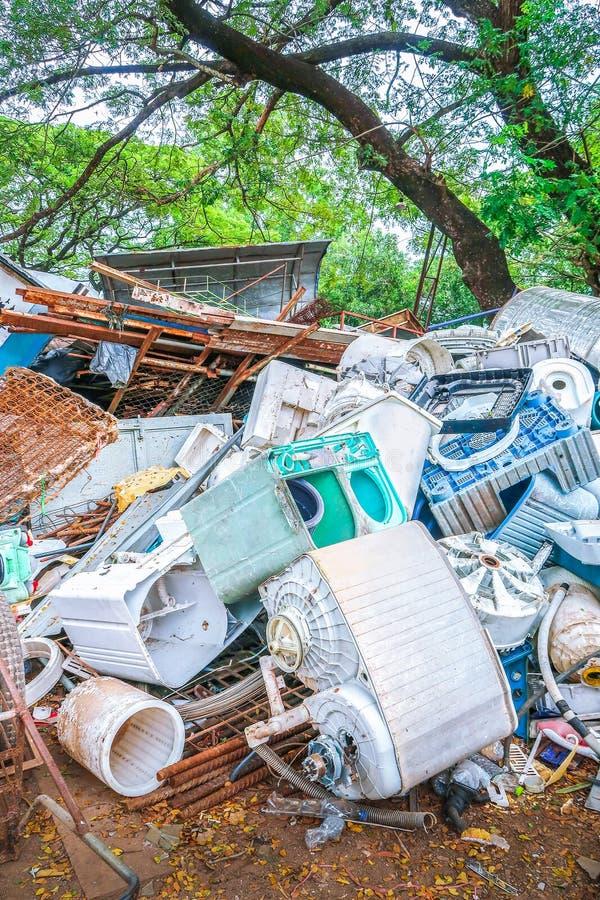 Pile de machine à laver utilisée pour la réutilisation image libre de droits