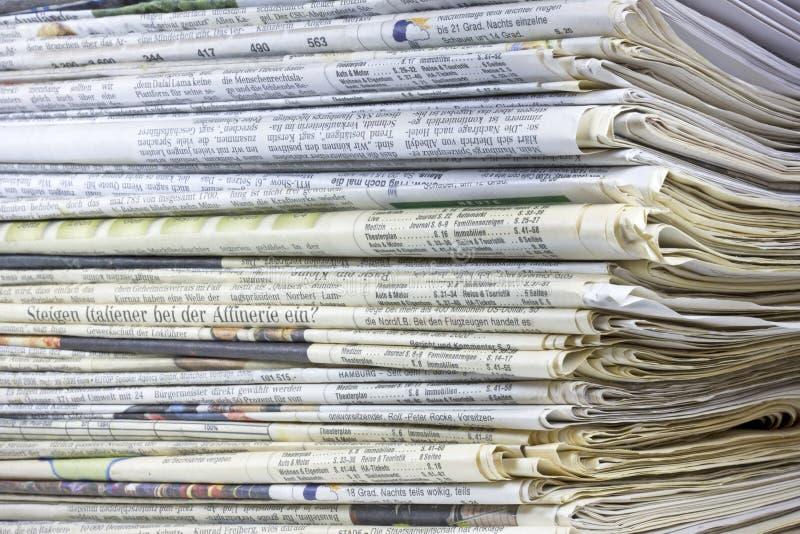 Pile de papier de rebut images libres de droits