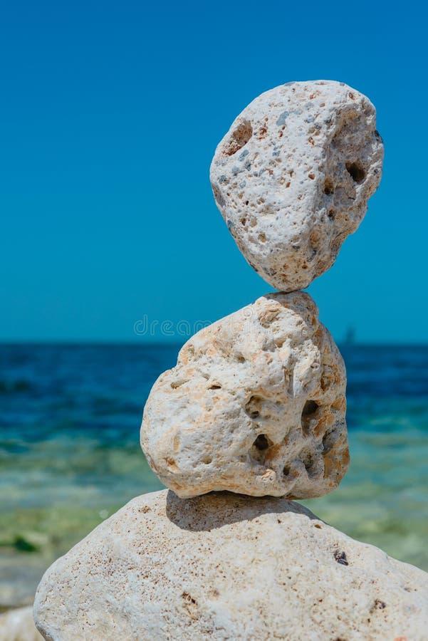 Pile de paysage naturel d'abrégé sur pierres photo libre de droits