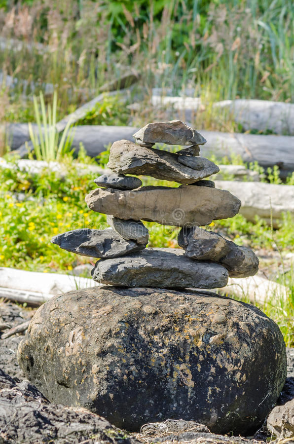 Pile de pierres équilibrées photos libres de droits