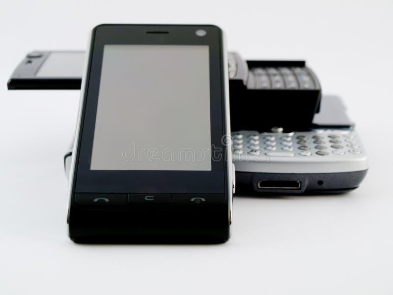 Pile de pile de plusieurs téléphones portables modernes PDA photo stock