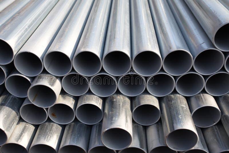 Pile de pipes en acier photo libre de droits