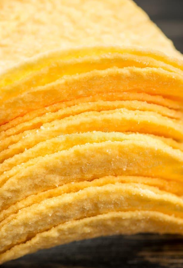 Pile de pommes chips images libres de droits