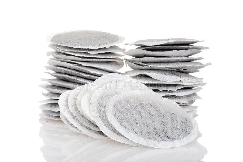 Pile de sachets à thé ronds photographie stock