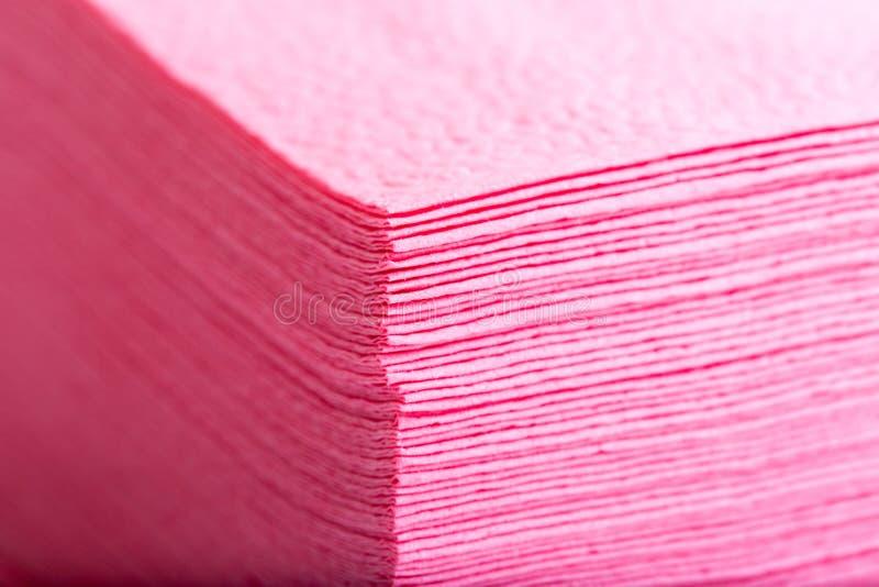 pile de serviettes de table de papier roses photo stock. Black Bedroom Furniture Sets. Home Design Ideas